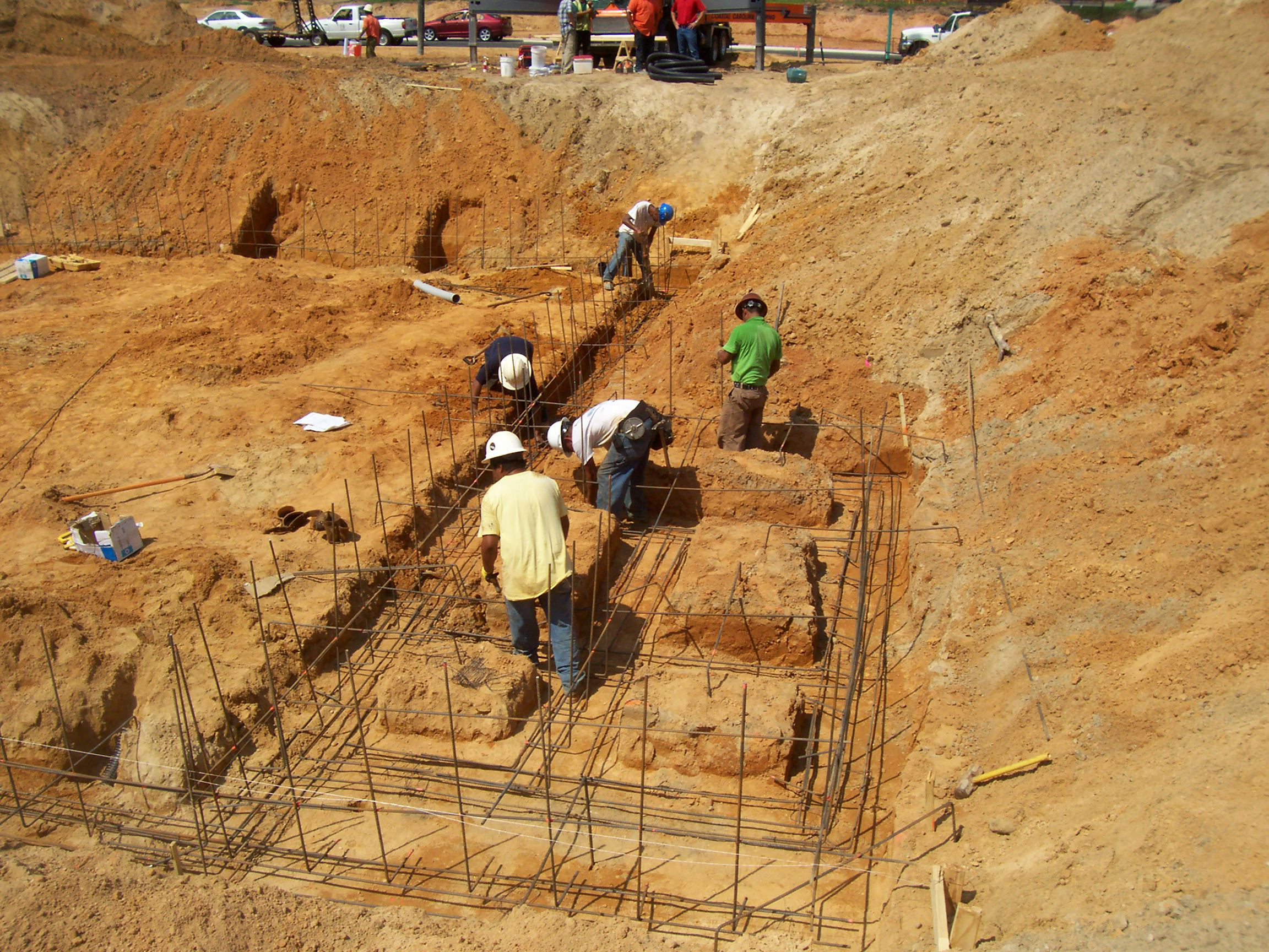 concrete-footing-preparation-25363e019b7aca.jpg